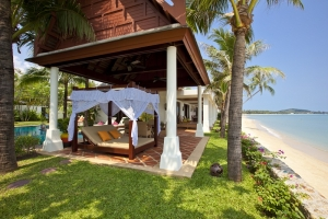 S395: BEACHFRONT VILLA