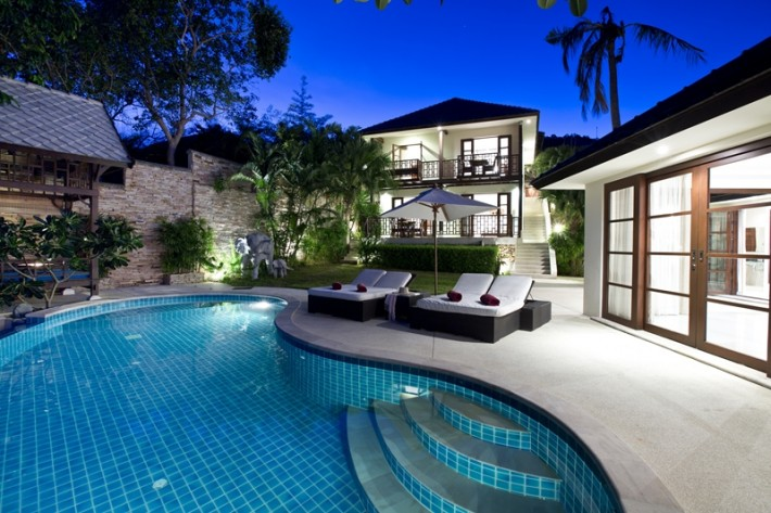 S263: LUXURY SEA FRONT KOH SAMUI VILLA FOR SALE