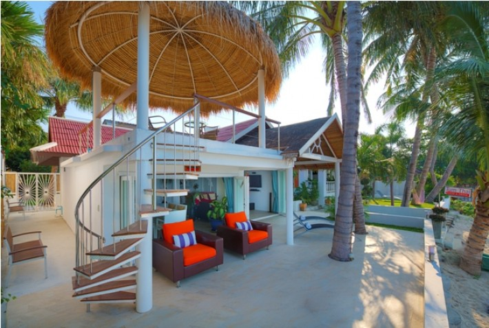 S433: BEACHFRONT KOH SAMUI VILLA FOR RENT