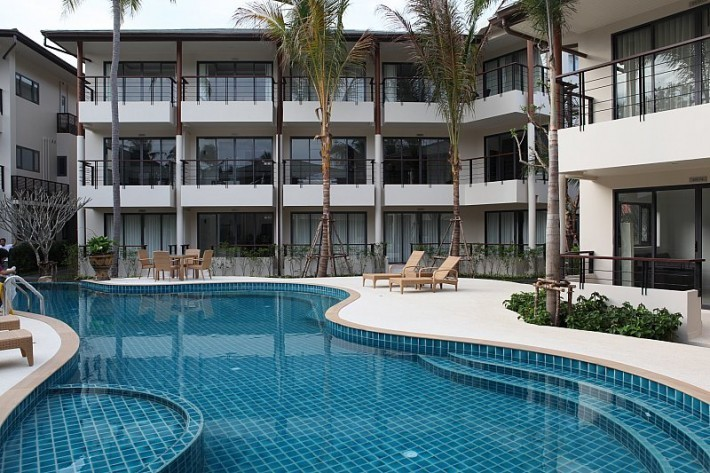 S1392: FOREIGN FREEHOLD CONDO BY THE BEACH