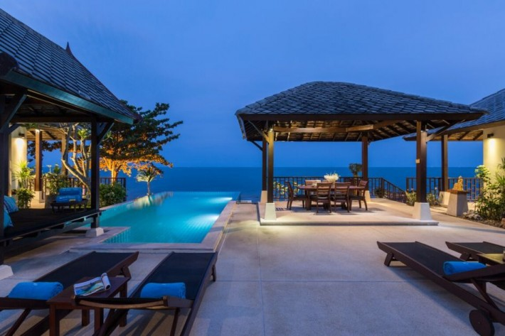 BEACH FRONT VILLA FOR RENT