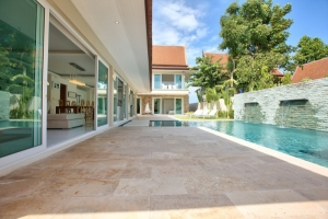 S575: BEAUTIFULLY DESIGNED VILLA