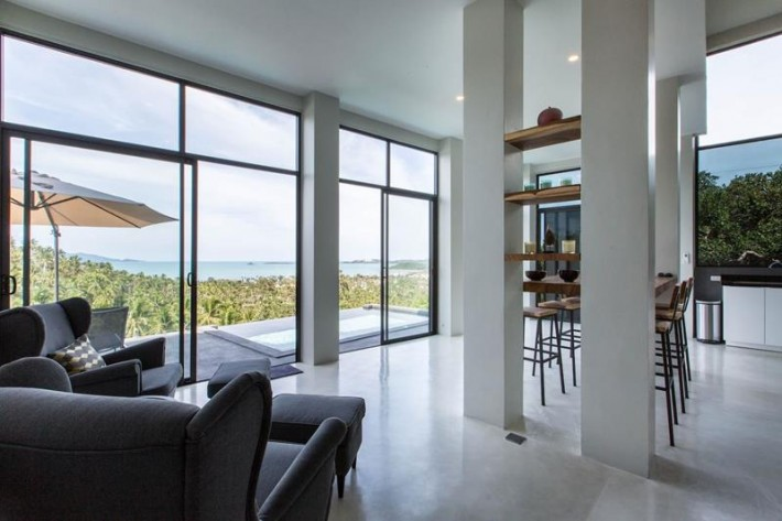 MODERN PENTHOUSE WITH SEA VIEWS