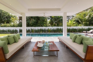 S1364: CONTEMPORARY KOH SAMUI BEACH FRONT VILLAS FOR RENT