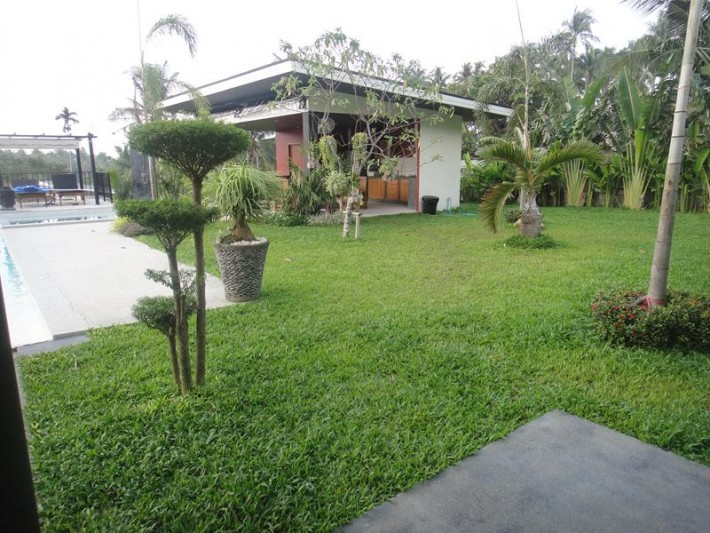 S808: LARGE KOH SAMUI GARDEN VILLA FOR RENT