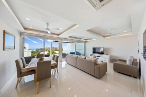 S1009: SEA VIEW KOH SAMUI VILLA FOR SALE WALKING DISTANCE TO THE BEACH