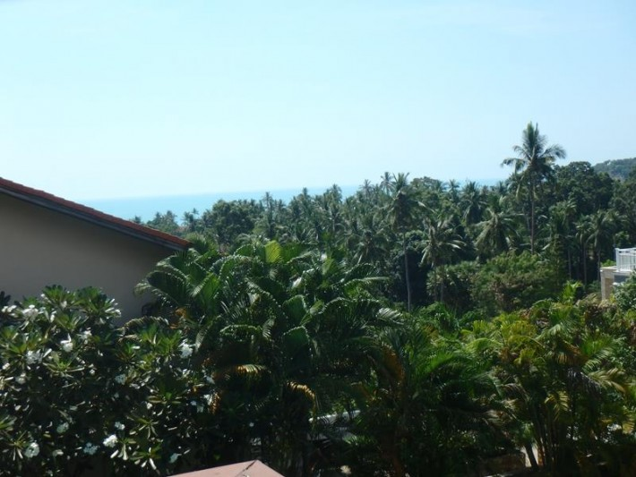S1400: KOH SAMUI TOWNHOUSE FOR SALE IN QUIET YET CENTRAL LOCATION