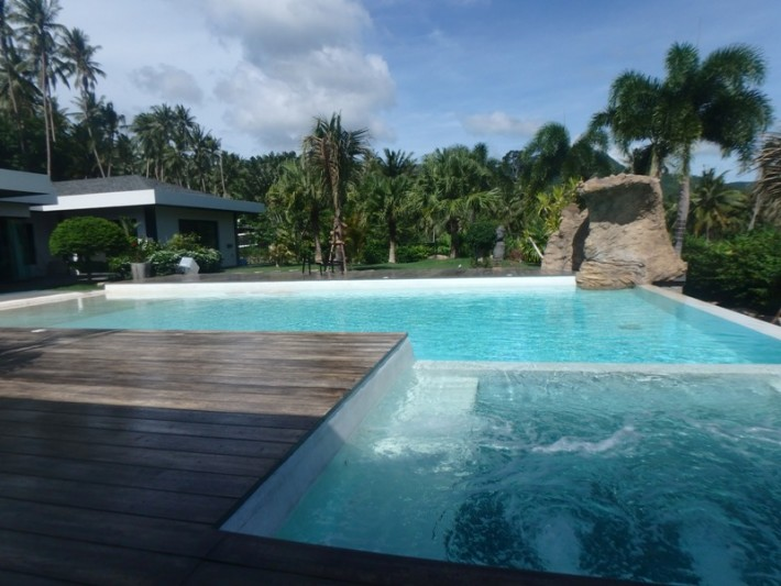 S1171: LARGE SINGLE LEVEL KOH SAMUI FAMILY VILLA FOR SALE