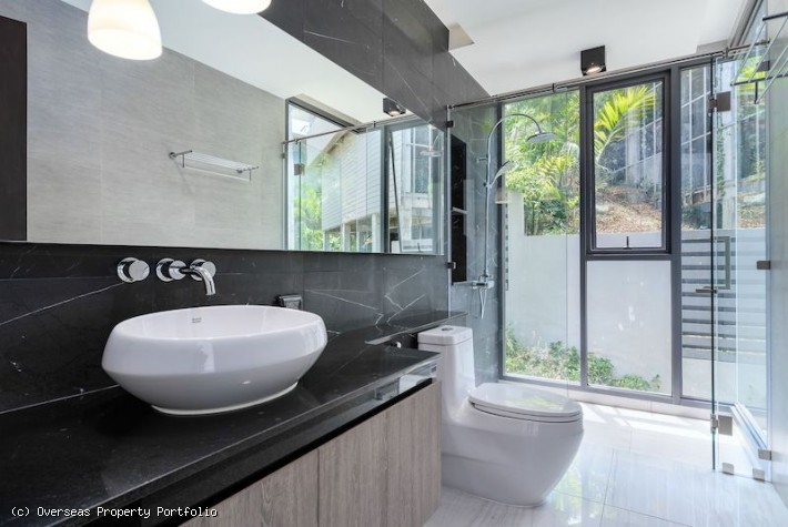 S1313: MODERN KOH SAMUI VILLA FOR SALE WITH SEA VIEW