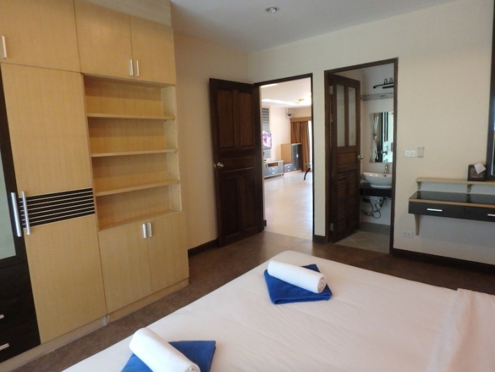 S1515: 2 BEDROOM KOH SAMUI CONDO FOR RENT
