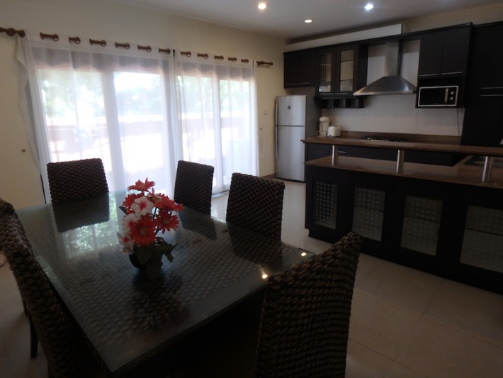 S1523: KOH SAMUI TOWNHOUSE FOR RENT