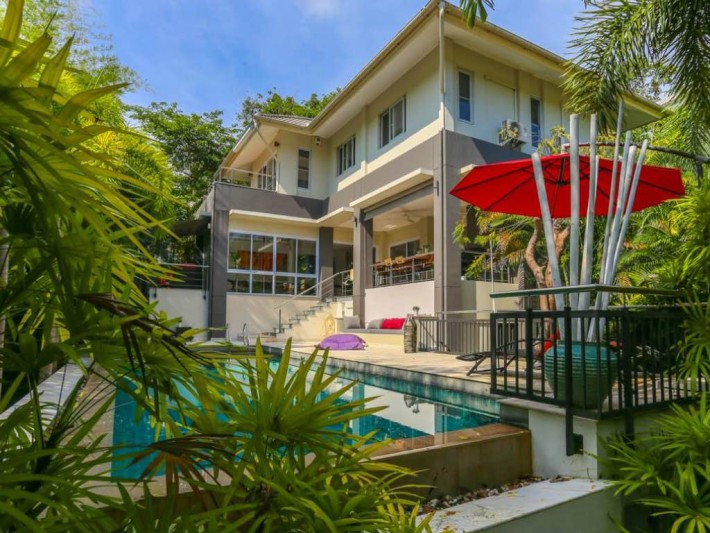 S1537: KOH SAMUI VILLA FOR SALE IN QUIET LOCATION