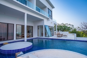 S1547: LUXURY KOH SAMUI VILLA FOR SALE WITH SPECTACULAR VIEWS