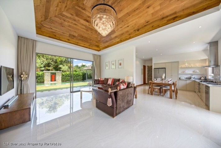S1566: BEAUTIFULLY DESIGNED KOH SAMUI VILLA FOR SALE