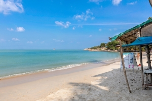 S1594: STUNNING KOH SAMUI VILLA FOR SALE NEXT TO THE BEACH