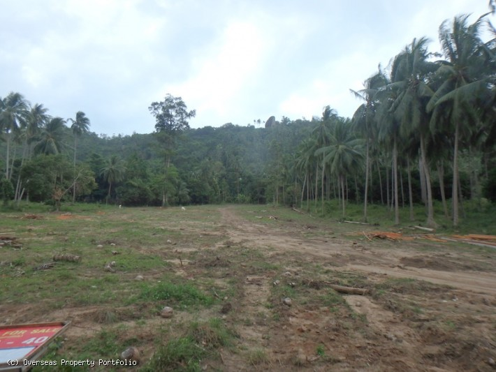 S1613: FLAT KOH SAMUI LAND PLOT FOR SALE IN QUIET AREA
