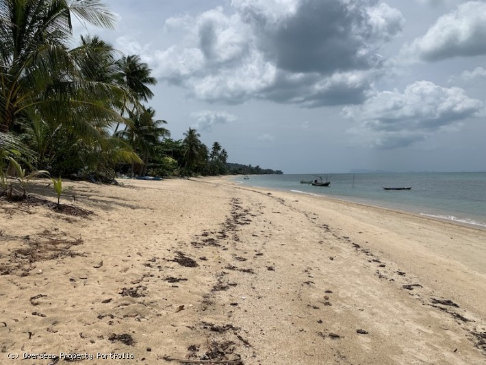 S1624: KOH SAMUI BEACHFRONT LAND PLOT FOR SALE