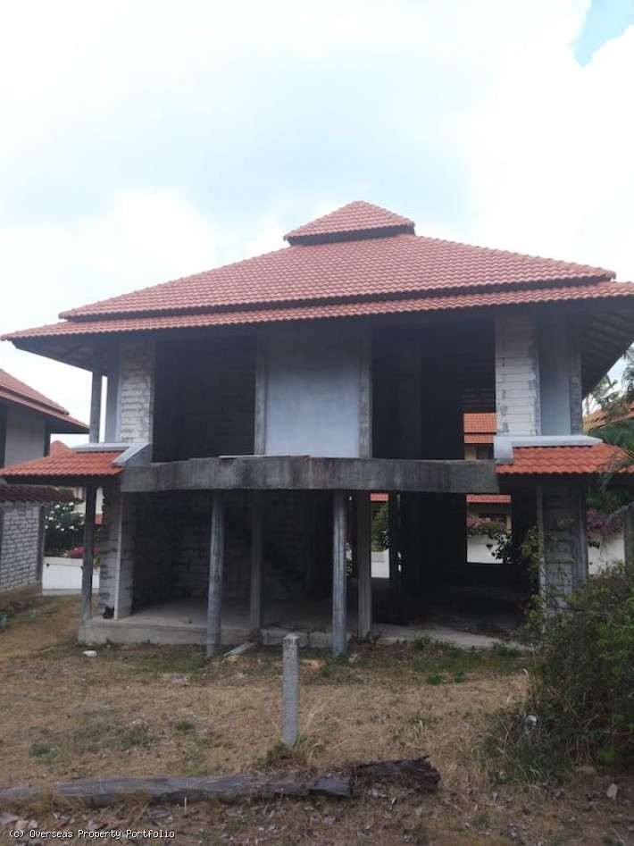 S1637: RENOVATION PROJECT - UNFINISHED KOH SAMUI VILLA BY THE BEACH FOR SALE