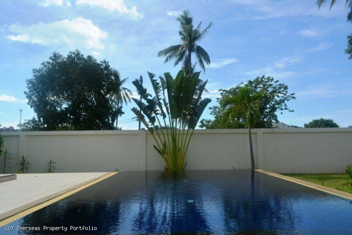 S1672: AFFORDABLE KOH SAMUI VILLA 400 METER FROM THE BEACH