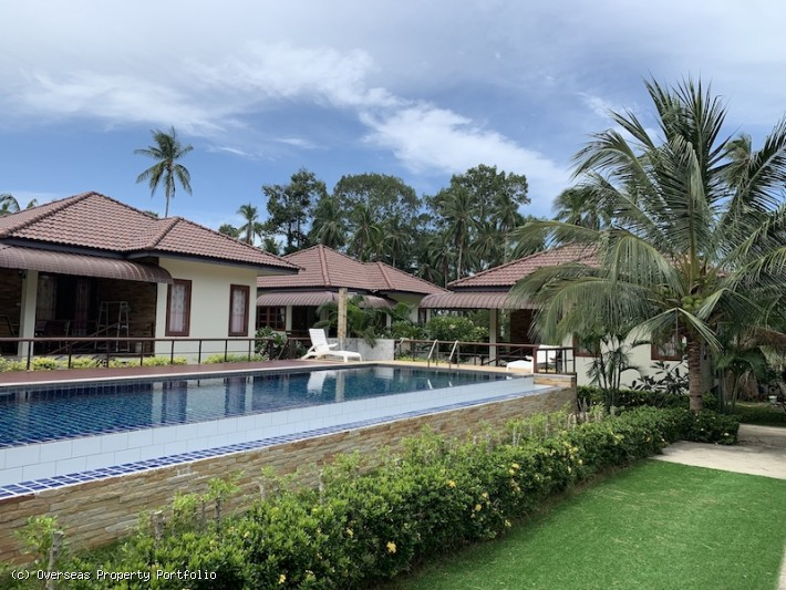 S1696: KOH SAMUI RESORT FOR SALE IN TRANQUIL LOCATION