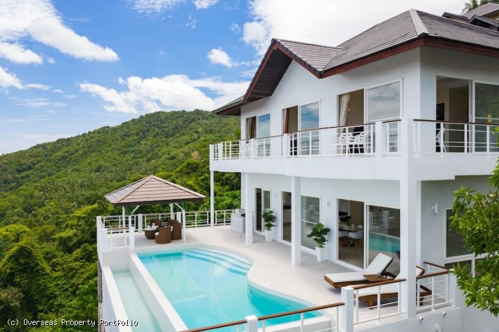 S1746: PANORAMIC SEA VIEW KOH SAMUI VILLA FOR SALE IN GREAT LOCATION