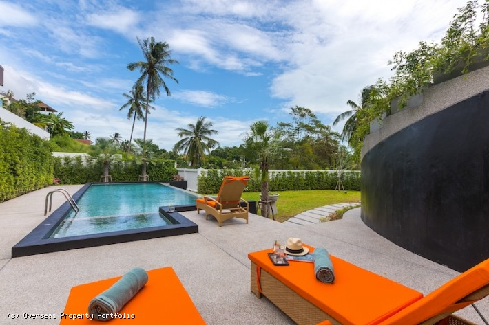 S1810: EXTENSIVE KOH SAMUI VILLA FOR RENT & SALE IN GREAT LOCATION