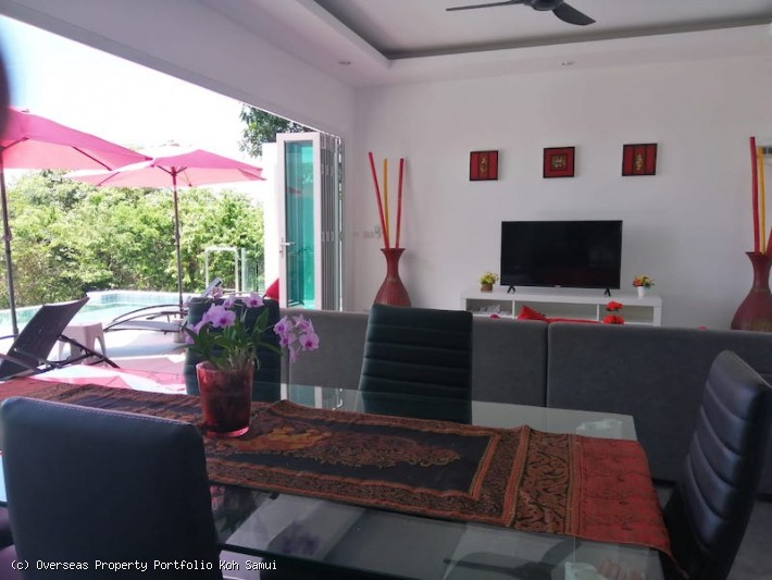 S1839: EXTENSIVE KOH SAMUI VILLA WITH GREAT SEA VIEWS FOR SALE