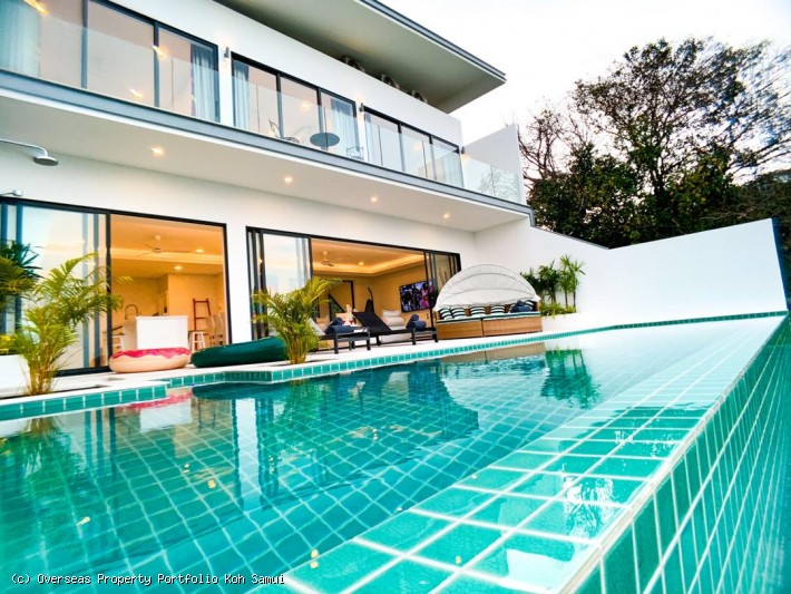 S1841: MODERN KOH SAMUI VILLA FOR RENT IN CENTRAL LOCATION AND STUNNING SEA VIEWS