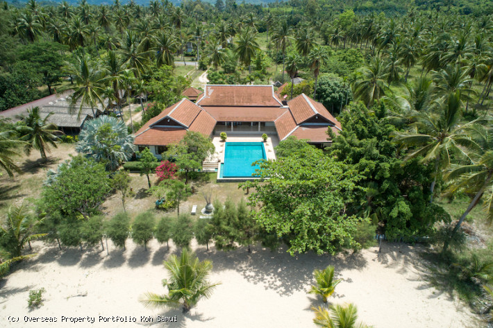 S1858: EXPANSIVE SAMUI BEACHFRONT VILLA ON 4 RAI PLOT FOR SALE