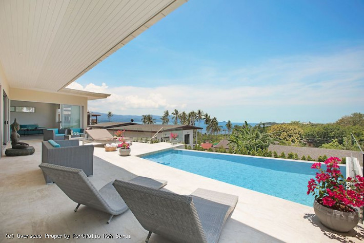 S1863: LUXURY KOH SAMUI VILLA FOR SALE CLOSE TO THE BEACH