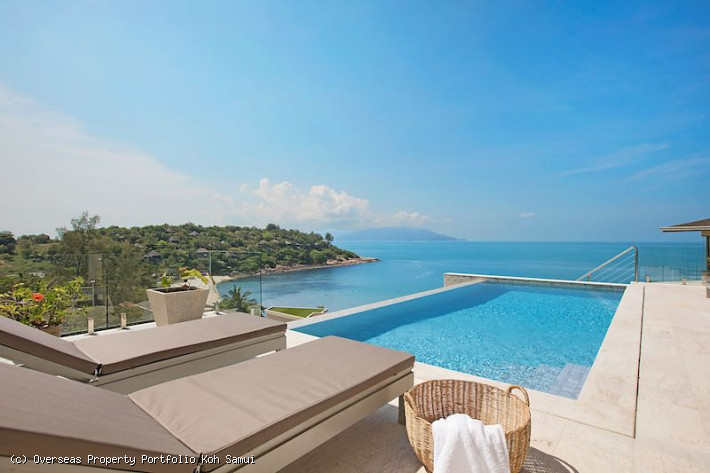 S1864: STUNNING KOH SAMUI VILLA BY THE BEACH