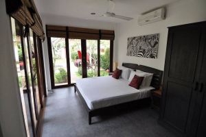 S1865: KOH SAMUI VILLA JUST 30 METERS FROM THE BEACH - FOR SALE