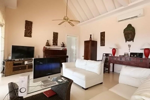 S977: KOH SAMUI VILLA FOR SALE WITH 2 APARTMENTS & 2 POOLS