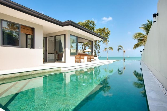 S954: BEAUTIFUL BEACH VILLA
