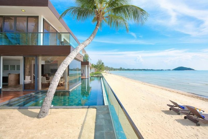 LUXURY BEACH FRONT VILLA