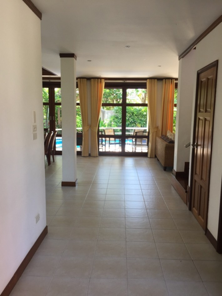 S1112: KOH SAMUI VILLA FOR SALE IN QUIET AREA NEAR THE BEACH