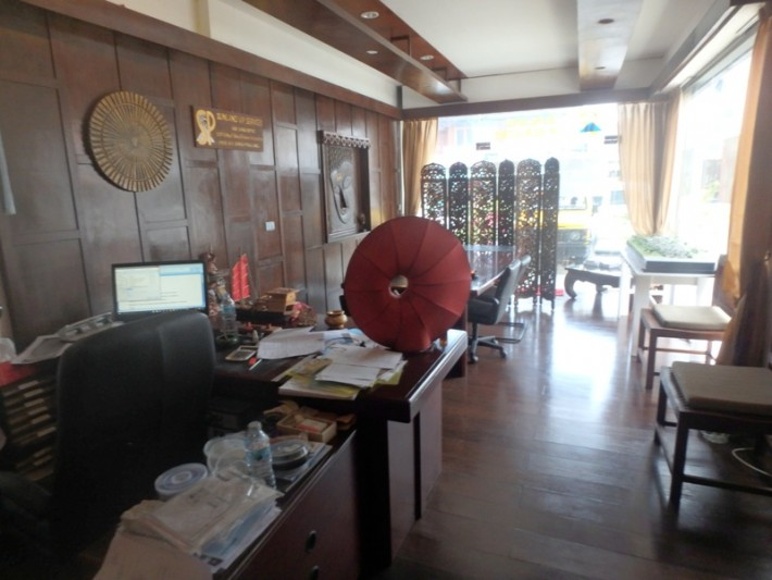 S1133: KOH SAMUI OFFICE & APARTMENT FOR SALE