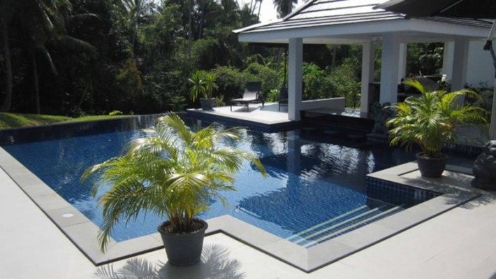 S1194: VILLA FOR SALE IN PEACEFUL SURROUNDINGS